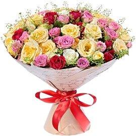 Букет из кустовых красных роз