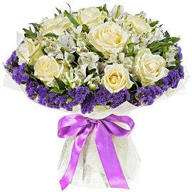 Букет из белых 70 сантиметровых роз