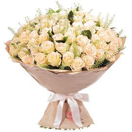 Букет из кремовых 80 см роз