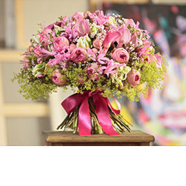 Букет из кустовых французских розовых роз