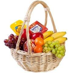 <h4>Корзина с фруктами и сыром</h4><br/> <p>Великолепная корзина с фруктами и сыром для настоящих гурманов. В корзину входят различные фрукты на указанную сумму.</p>