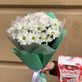Букет хризантемы с Рафаэлло