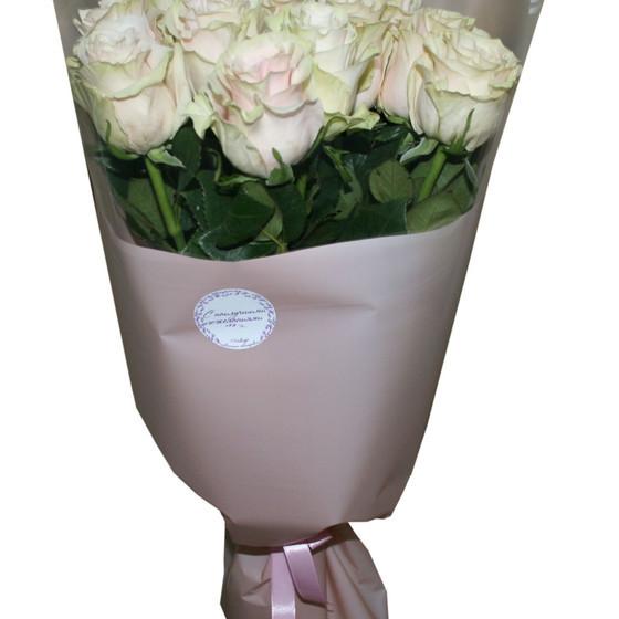букет из роз  сорта Пинк Мондиаль