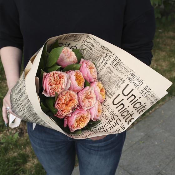 """Букет из 9 пионовидных розы """"Вувузела"""""""