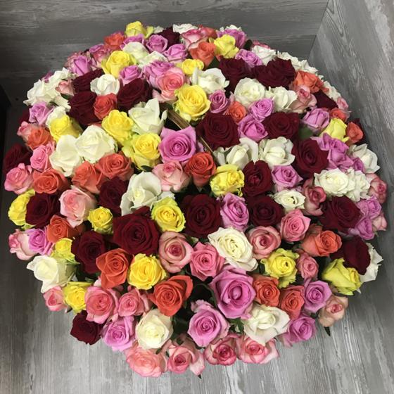 Букет «151 роза микс в корзине»
