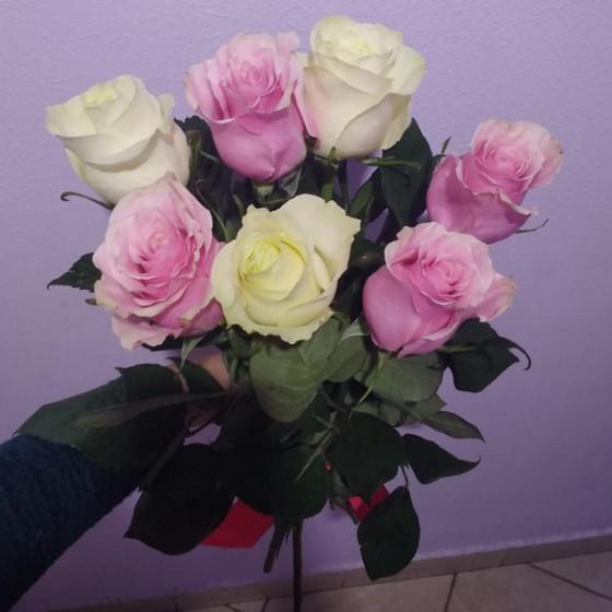 7 роз Эквадор микс