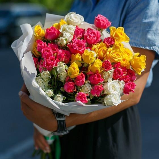 15 кустовых роз МИКС