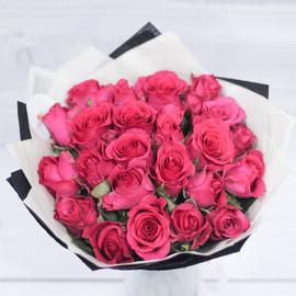 Букет из малиновых роз