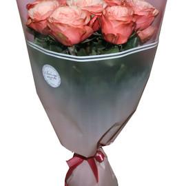 Букет с розой сорта Кахала