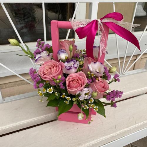 Ящик из роз и статицы