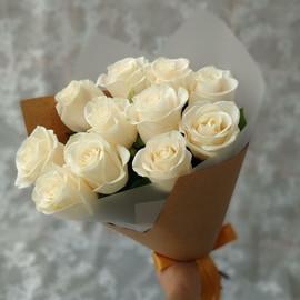 Букет из 11 белых роз 60 см