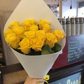 """Букет """"19 жёлтых роз"""""""