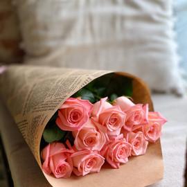 Нежные розы в крафте