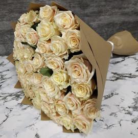 Роза талея 60 см, 51 шт. в крафте