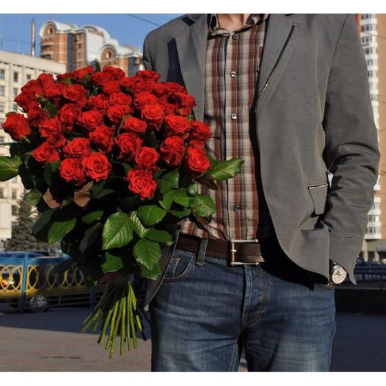 Роза Эль Торо 60 см в крафте 39 шт