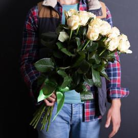 15 кремовых роз 60 см