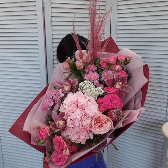 """Букет с гортензией, розами, орхидеями, альстромериями """"Великолепный век"""""""