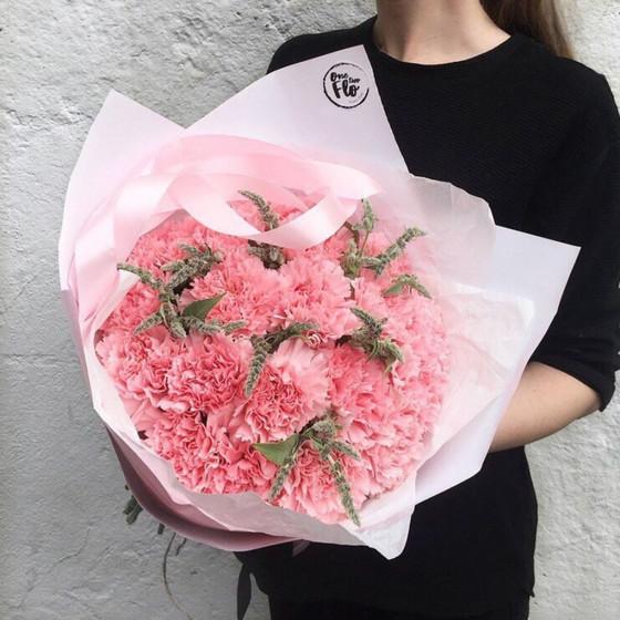 Mono Bouquet 11