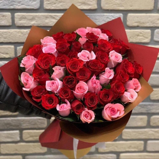 75 роз