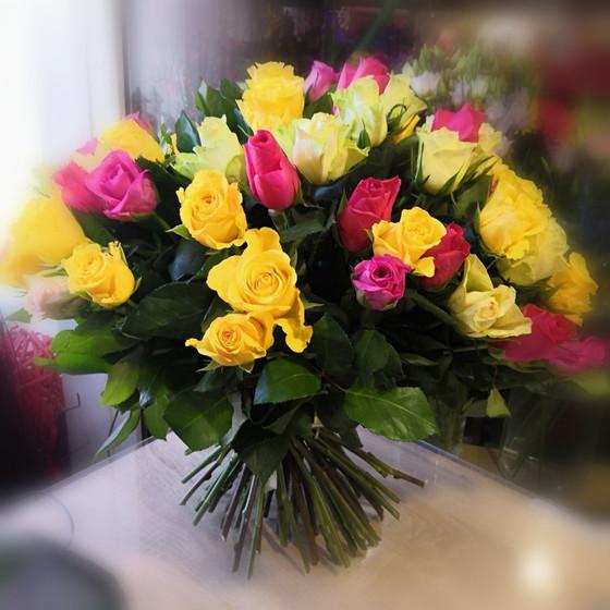 букет из розы  кениской микс