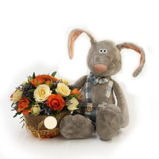 Заяц Миша с цветами