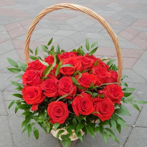 "Корзина ""25 красных роз"""