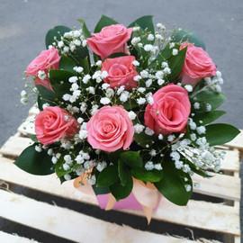 """Коробка """"7 розовых роз"""""""