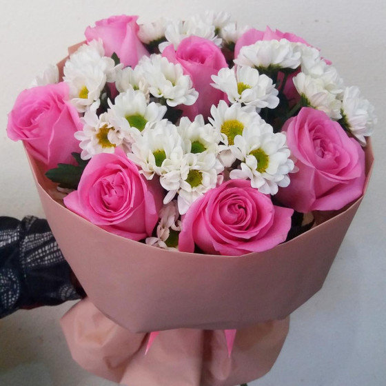 Букет из розы и сантини