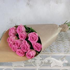 Роза  Аква 60 см в крафте 15 шт.