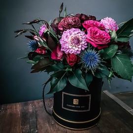 Цветы в коробке Черный бархат
