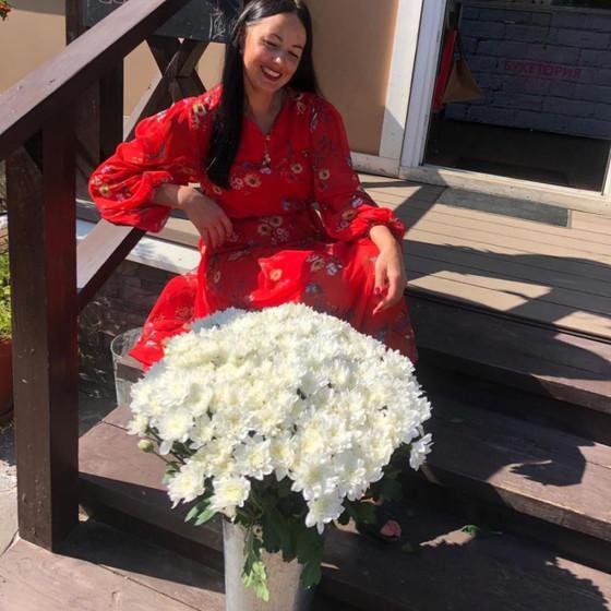Букет белых хризантем
