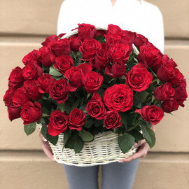 "Букет ""101 роза в корзине"""