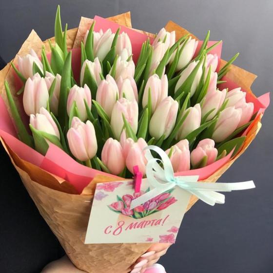 Букет тюльпанов нежно-розового цвета