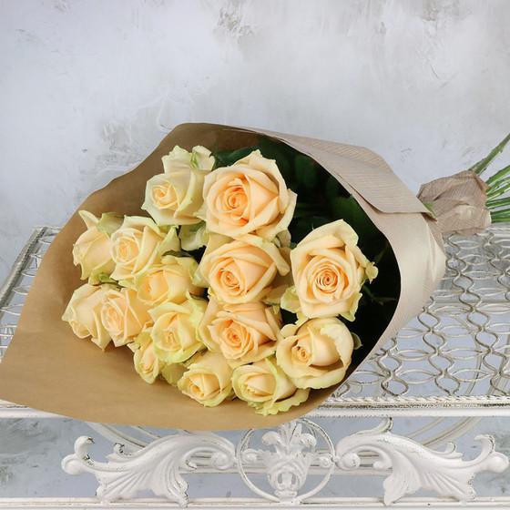 Роза Пич Аваланж 60 см, 15 шт. в крафте