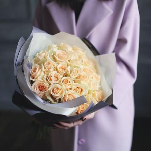 Букет персиковых роз Аваланж Пич
